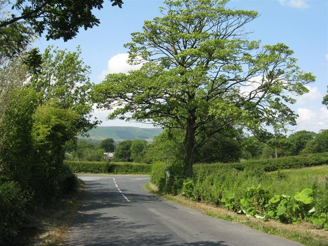 Road junction just north of Carr Side Farm