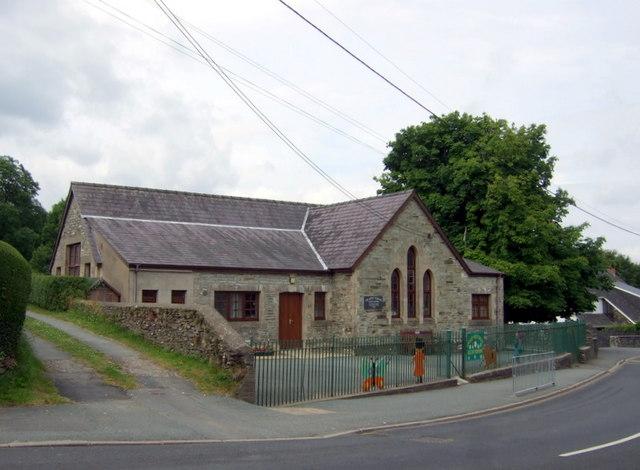 Yr Hen Ysgol, Eglwyswrw