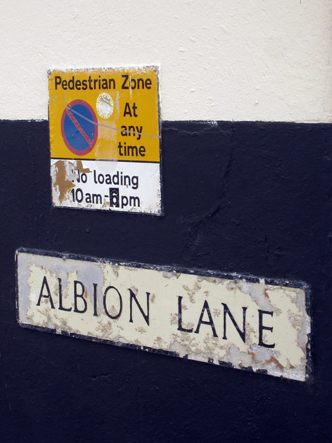 Albion Street Sign
