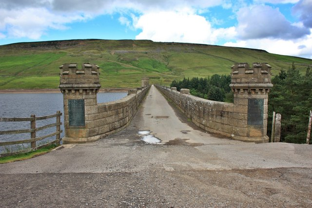 Dam top Road, Scar House Reservoir