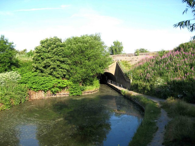 Droitwich Barge Canal near tunnel under railway line