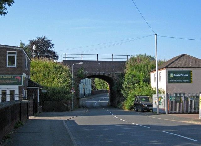 Railway bridge over Kidderminster Road