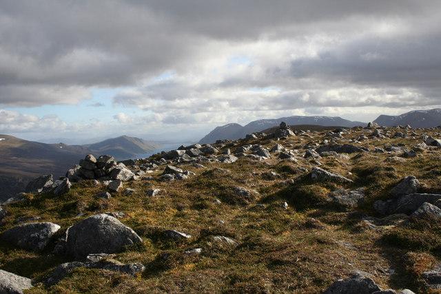 Summit ridge of the Fara
