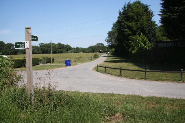 Footpath to Landwade Farm