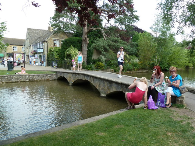 Bourton on the Water - River Windrush