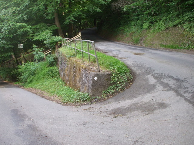 Lane junction near Cwm Farm