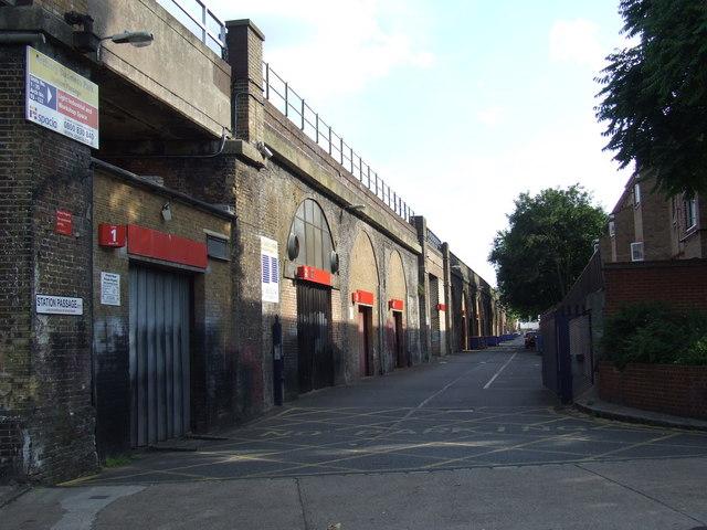 Station Passage, SE15
