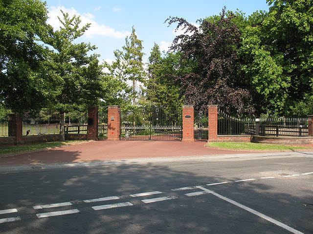 Entrance to Dawfields