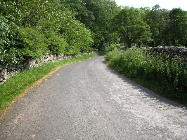 Minor road near Lowhouse Mill