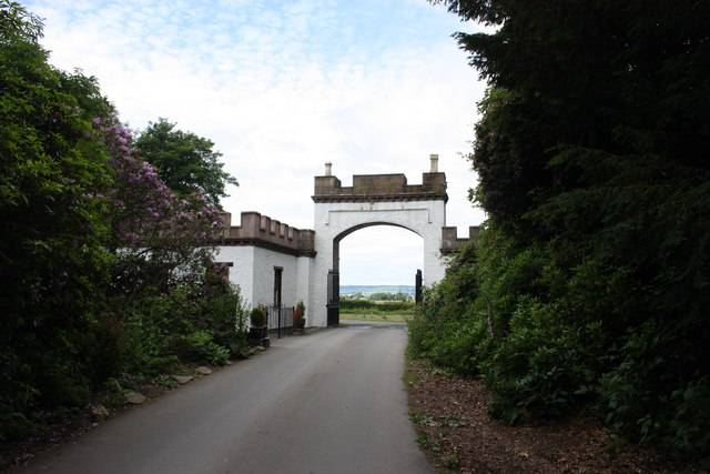 Lodge House and gateway, Belmont Castle
