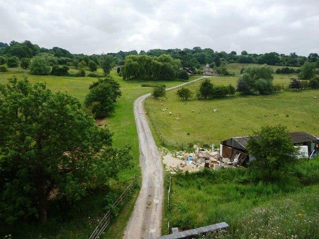 Farm track near Stanley Pontlarge