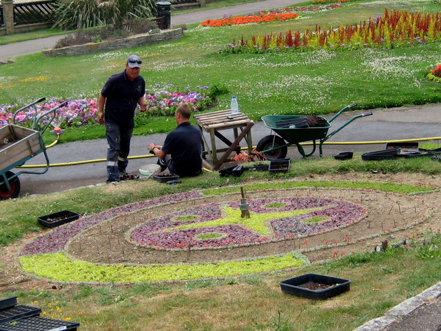 Floral clockmakers - Greenhill Gardens
