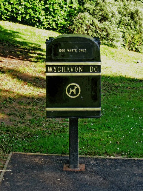 Dog waste bin in Vines Park