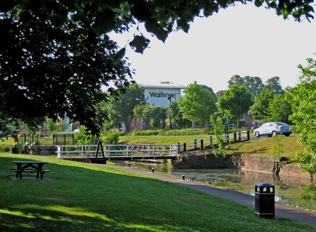 """Annie's Bridge"" (canal swing bridge) in Vines Park"