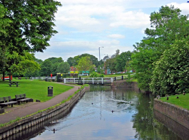 Droitwich Barge Canal in Vines Park