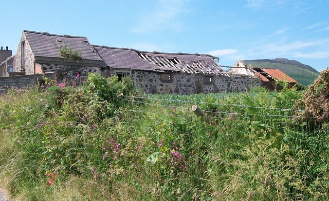 Picturesque farm ruins at Cae Newydd