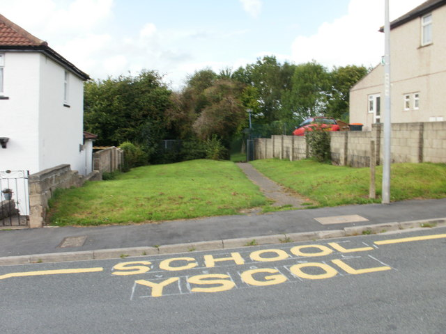 Path to school from Graig Park Avenue, Newport