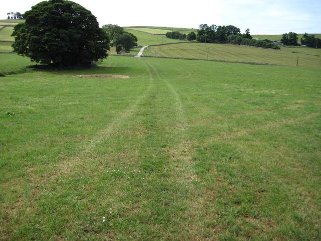 Footpath towards New Hanson Grange