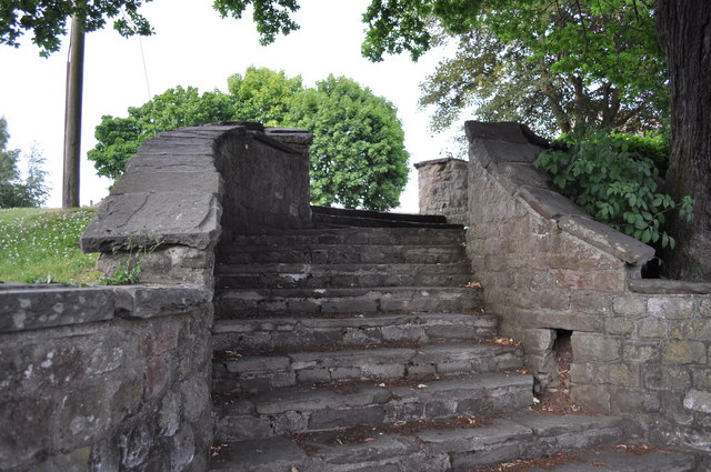 Stone steps at junction of Mercian Way and King Alfreds Road