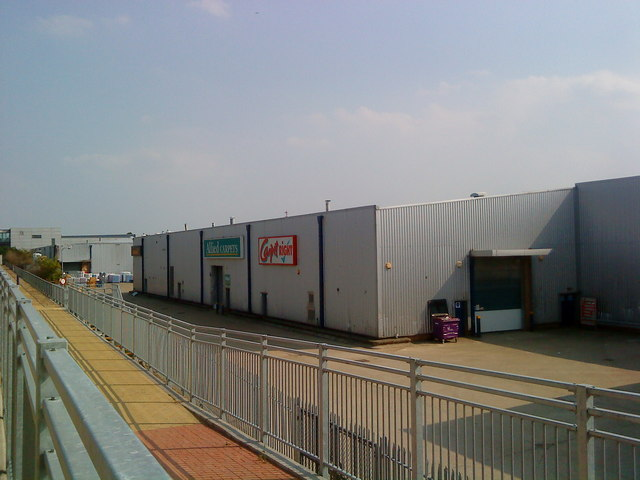 Industrial units near Luton Airport Parkway