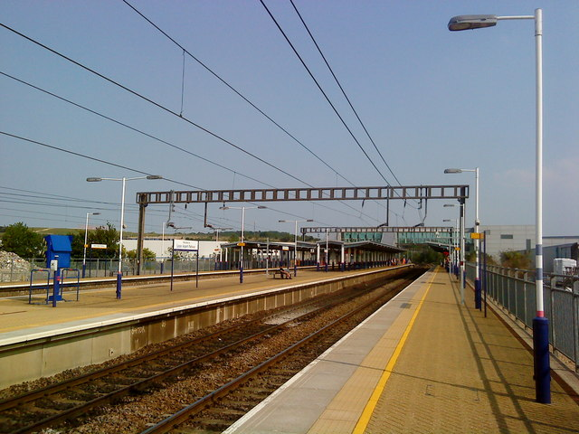 Luton Airport Parkway station