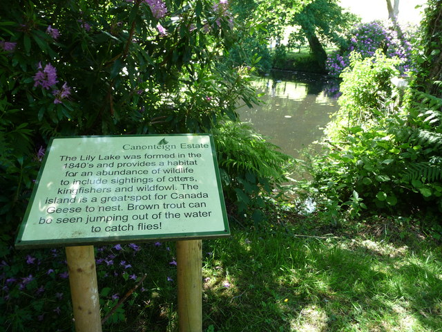 Canonteign Falls : Lily Lake & Information Sign
