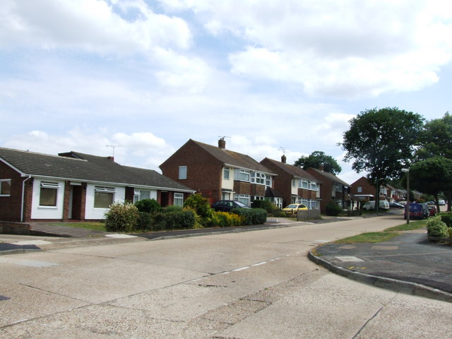 Courtfield Avenue, Lords Wood