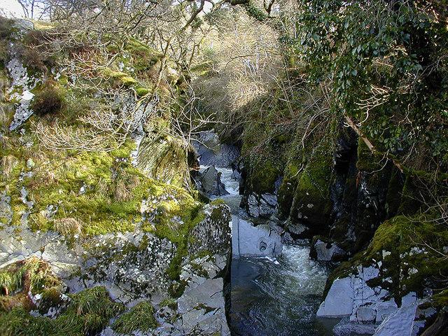 Afon Mynach
