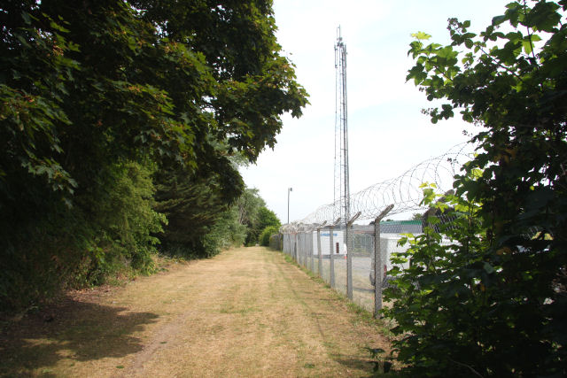 Footpath to Willie Snaith Road