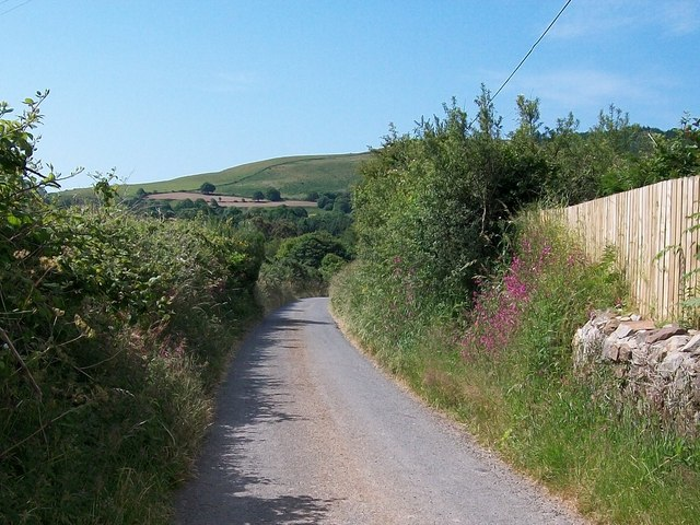 The road southwards from Cae Newydd