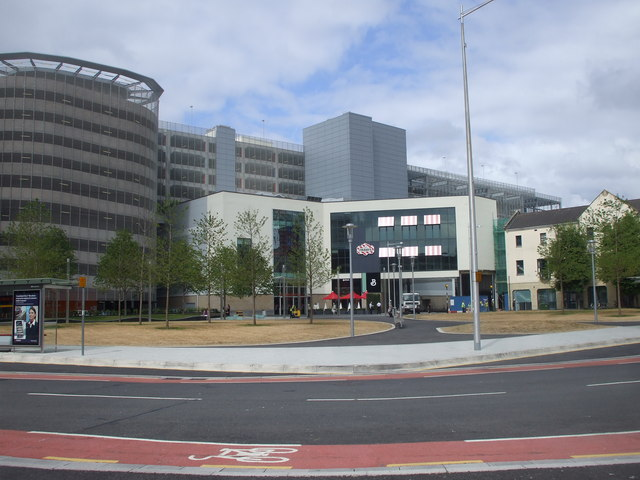 New open space, Cardiff centre