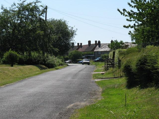 Hoyle Lane approaching Heyshott from the east
