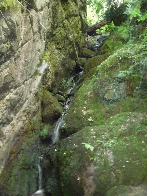 Canonteign Falls : Rocks & Waterfall