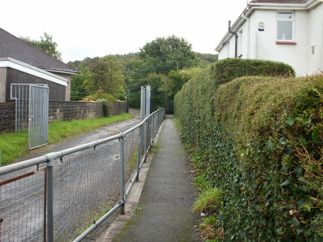 Newport : path from Pillmawr Road, Malpas to Graig Park