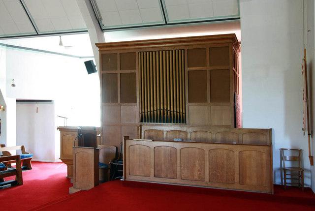 St Paul, Crofton Road, Orpington, Kent - Organ