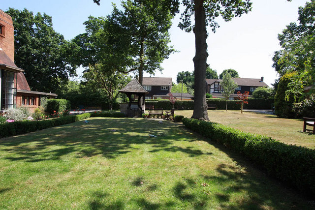 St Paul, Crofton Road, Orpington, Kent - Memorial garden