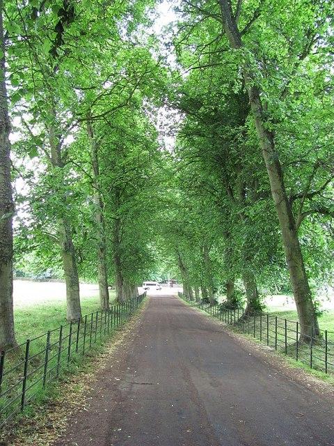 Driveway, Dryburgh Abbey Hotel