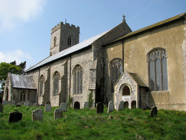 The church of SS Peter and Paul in Knapton - churchyard