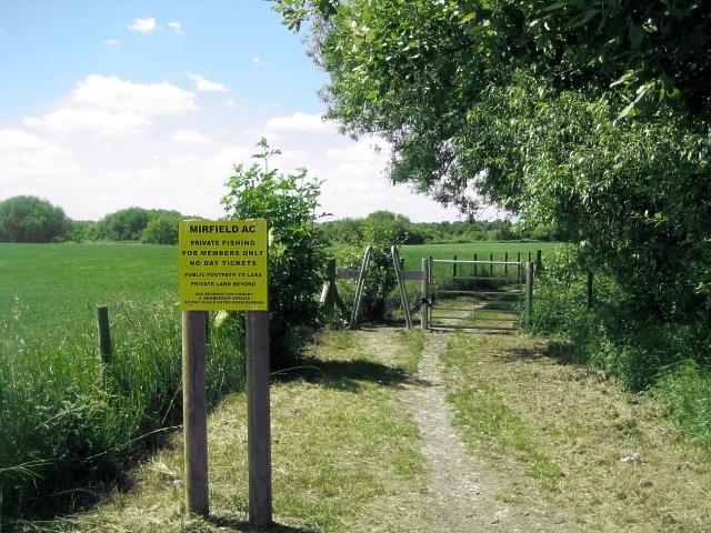 Footpath to lake, Foxholes