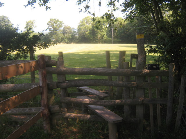 Footpath junction near Pigdown Farm (2)