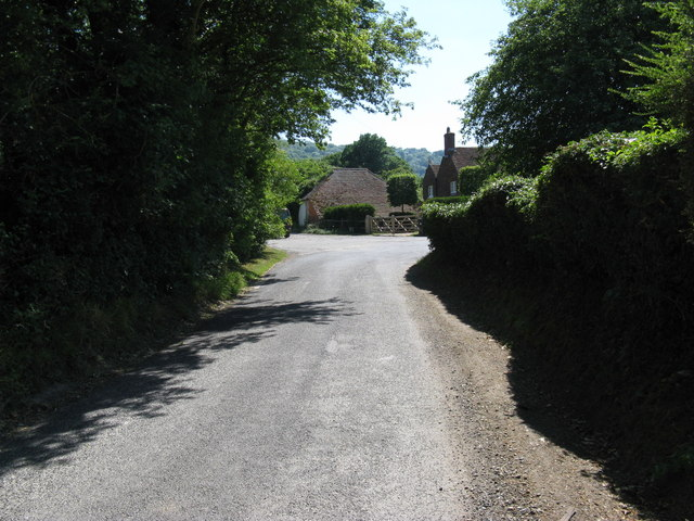 Sharp bend in Heyshott village