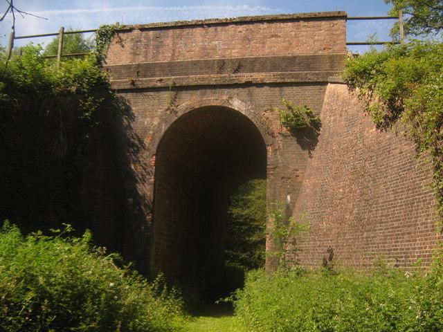 Railway bridge in Oak Wood