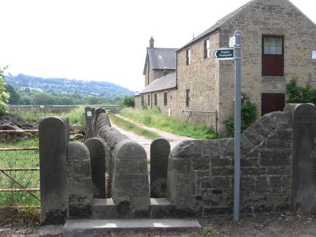 Darley Bridge - footpath choice
