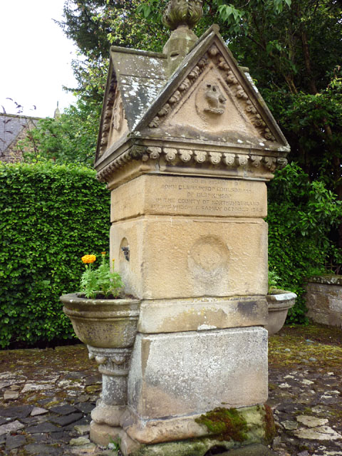 Memorial drinking fountain, Greenhead