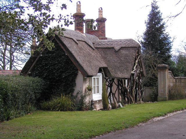 Lodge house to 'The Firs', Wells Road, Malvern Common