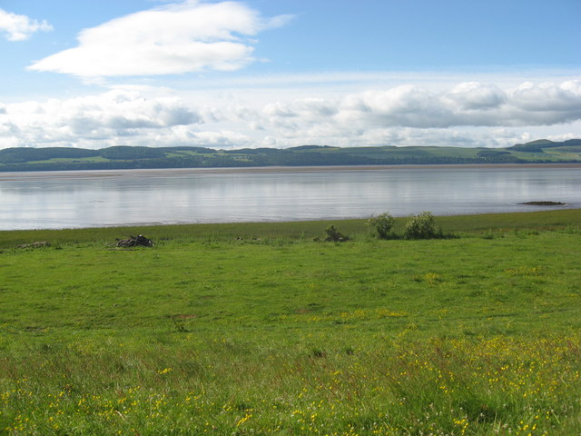 Early midsummer morning, peaceful views south over the extensive mudflats of the Tay estuary