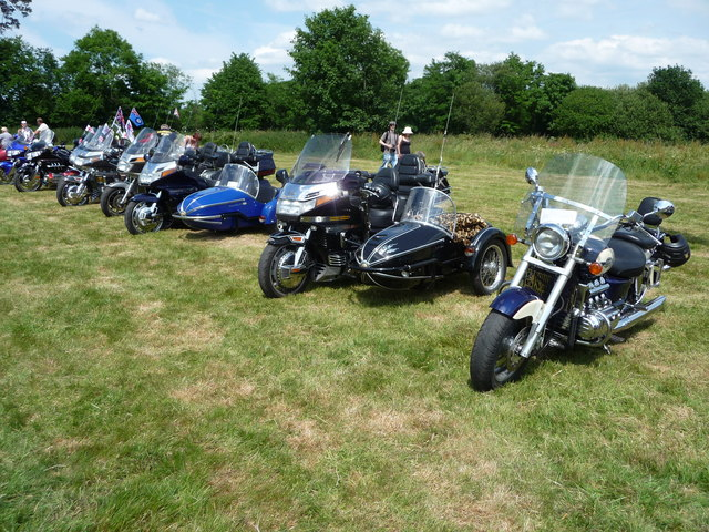 Cullompton : Motorbikes at the CCA Fields