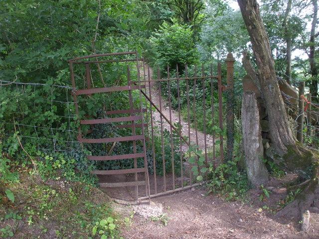 Kissing gate near Twyn Garwa