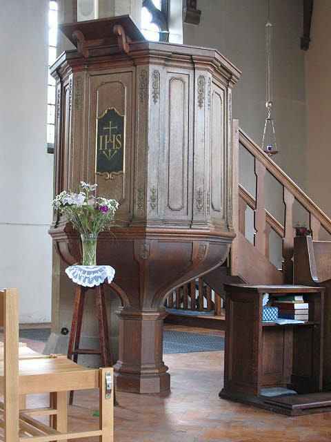St Dunstan's: pulpit