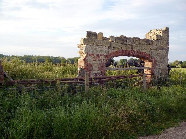 Interesting ruin on Bridleway